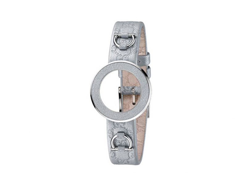 GUCCI LDS SILVER LEATHER BAND WITH LOGO AND SILVER BEZEL by Gucci
